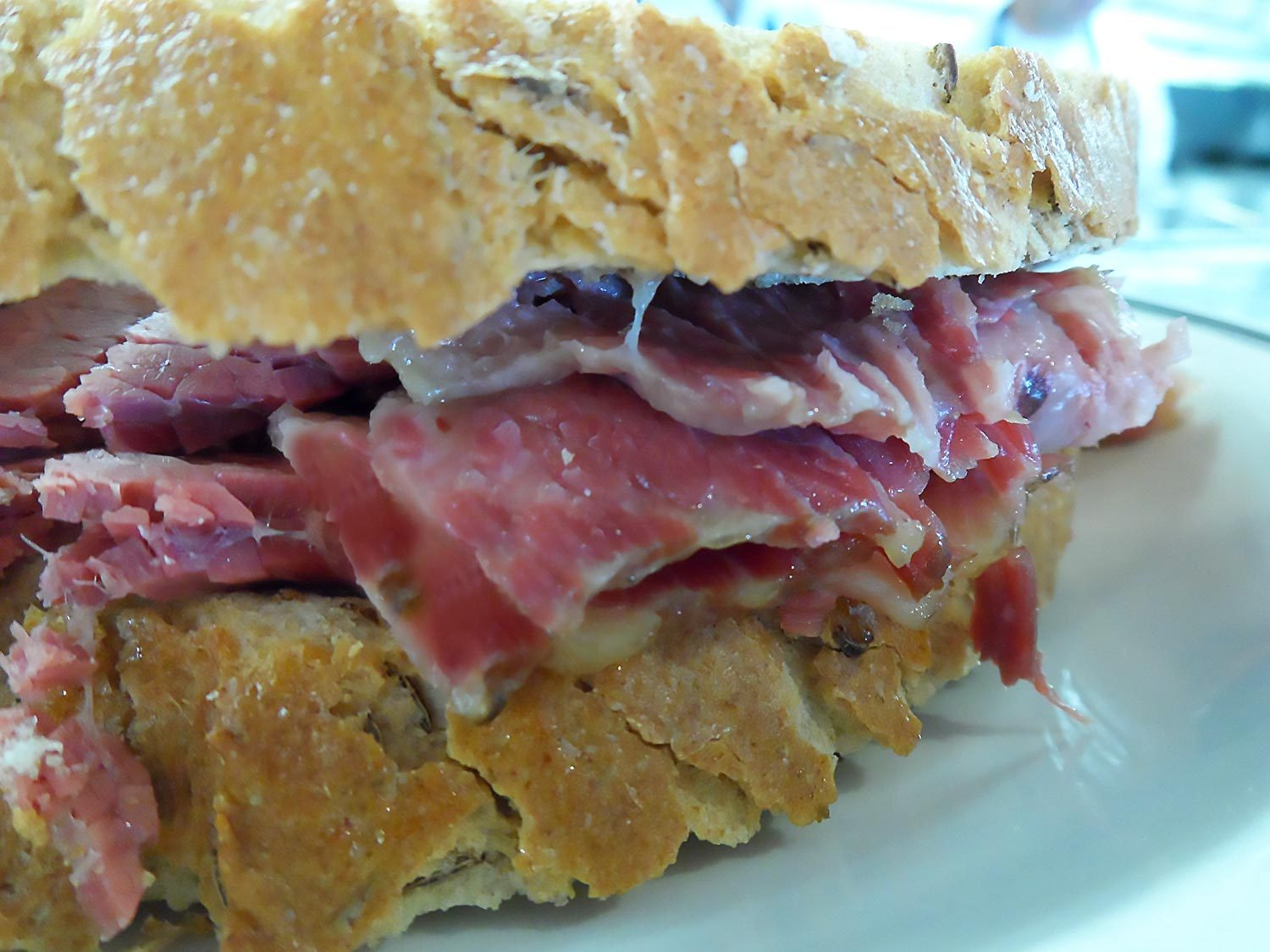 A hot corned beef on rye at Langer's Deli